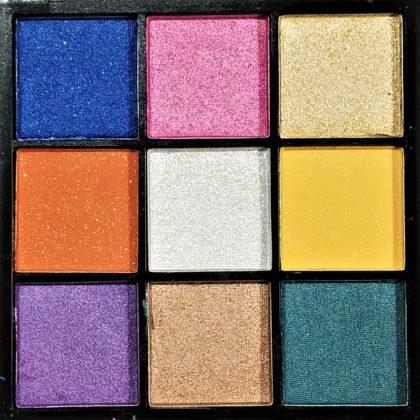 ダイソー×ユーアーグラム9色アイシャドウ「URGLAMブルーミングアイカラーパレット 03」色味 全色